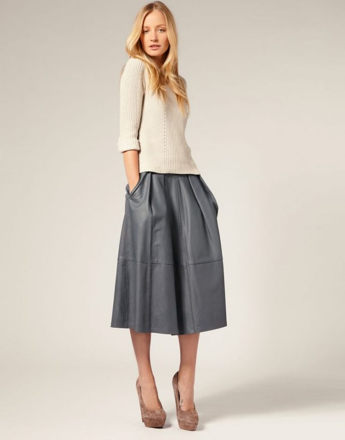 long-skirt4-675x861 18 Work Outfits Every Working Woman Should Have