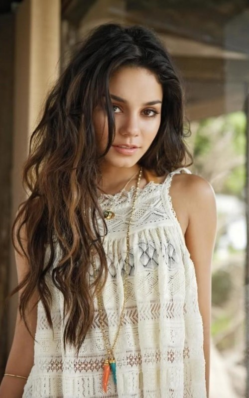 messy-hairstyles 28 Hottest Spring & Summer Hairstyles for Women 2020