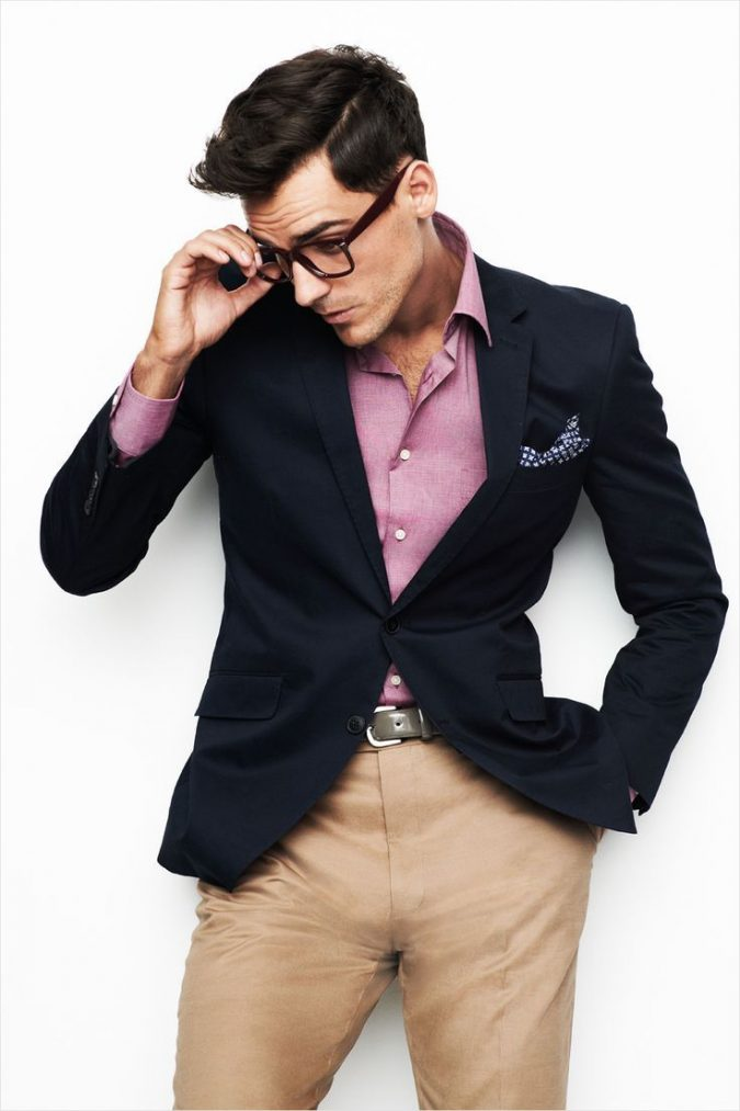 navy-blazer-with-shirt-675x1013 14 Splendid Wedding Outfits for Guys in 2021