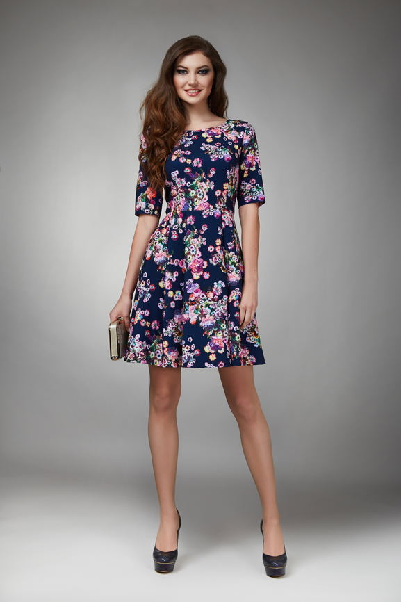 navy-floral-dress +40 Elegant Teenage Girls Summer Outfits Ideas in 2021