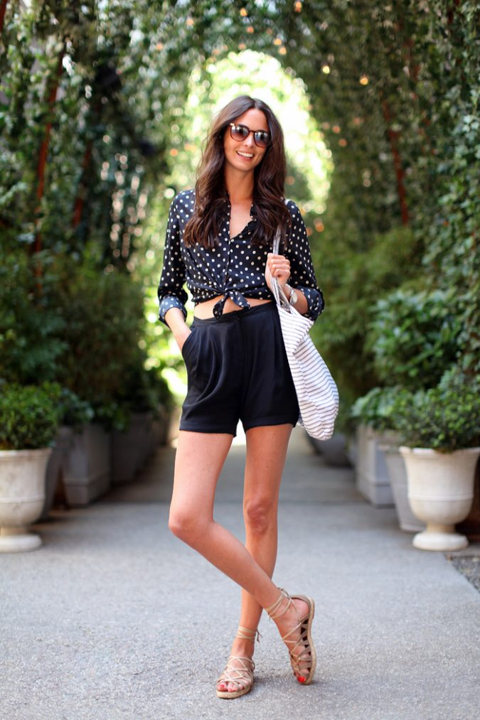 polka-dot-blouse-and-cute-shorts-1-675x1013 +40 Elegant Teenage Girls Summer Outfits Ideas in 2020