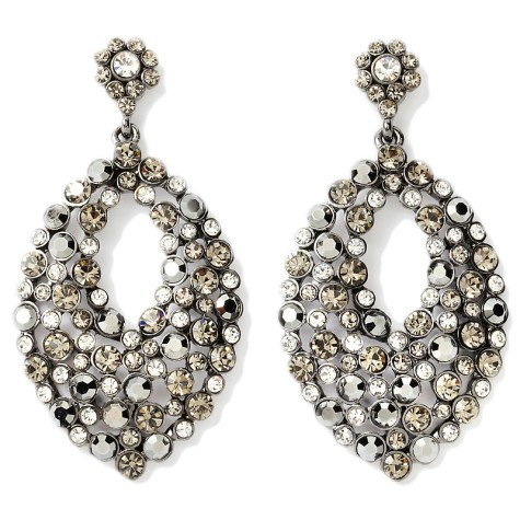 real-collectibles-by-adrienne-black-and-white-earrings-d-2012082913212959208750-475x475 How To Hide Skin Problems And Wrinkles Using Jewelry?