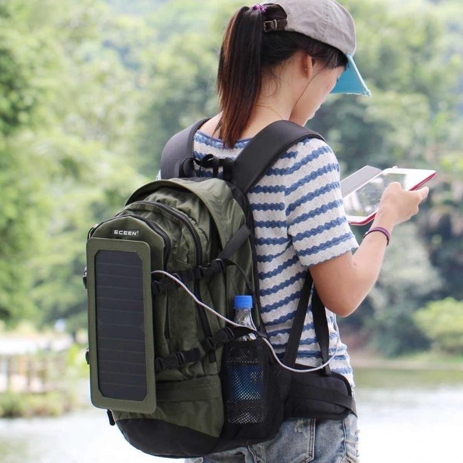 solar-backpack-675x675 Top 12 Unusual Solar-Powered Products