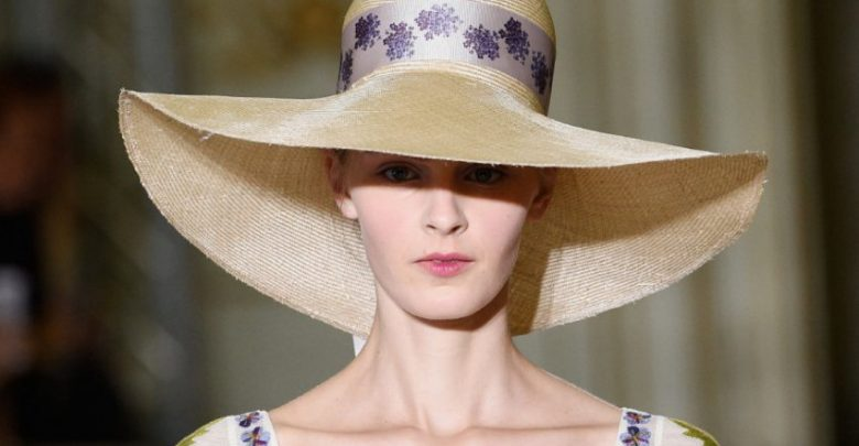 Photo of 10 Women's Hat Trends For Summer 2020