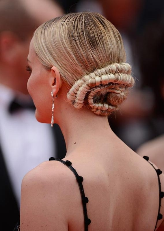 twisted-hairstyles-6 28 Hottest Spring & Summer Hairstyles for Women 2020