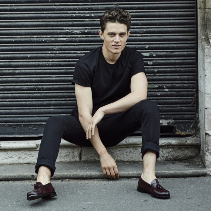 wearing-shoes-without-socks2-675x675 10 Most Stylish Outfits for Guys in Summer 2020