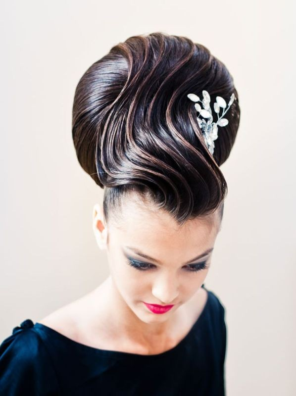 weird-hairstyles-1 28 Hottest Spring & Summer Hairstyles for Women 2020