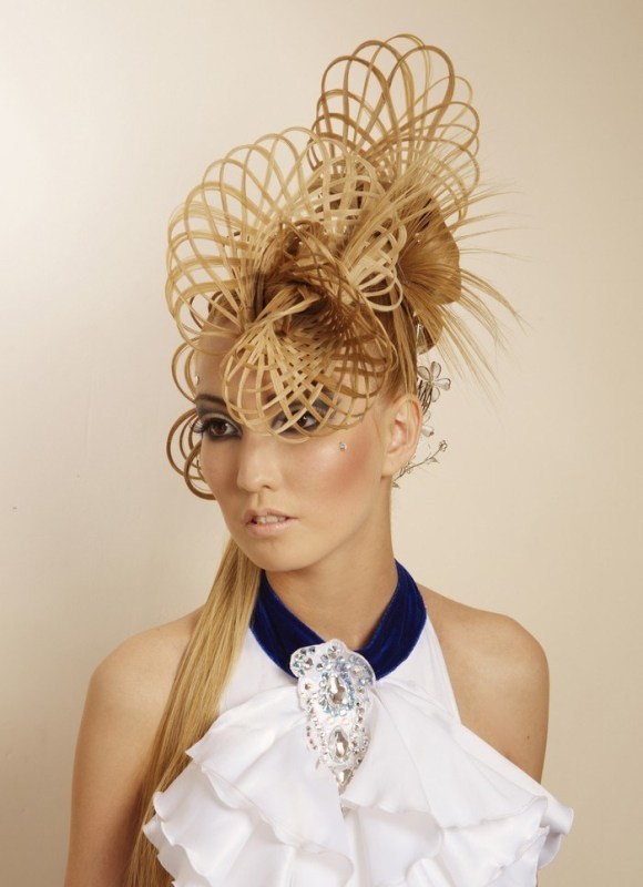 weird-hairstyles-4 28 Hottest Spring & Summer Hairstyles for Women 2020
