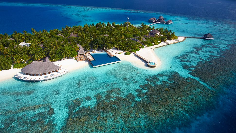 002885-18-aerial 10 World's Most Unusual Restaurants