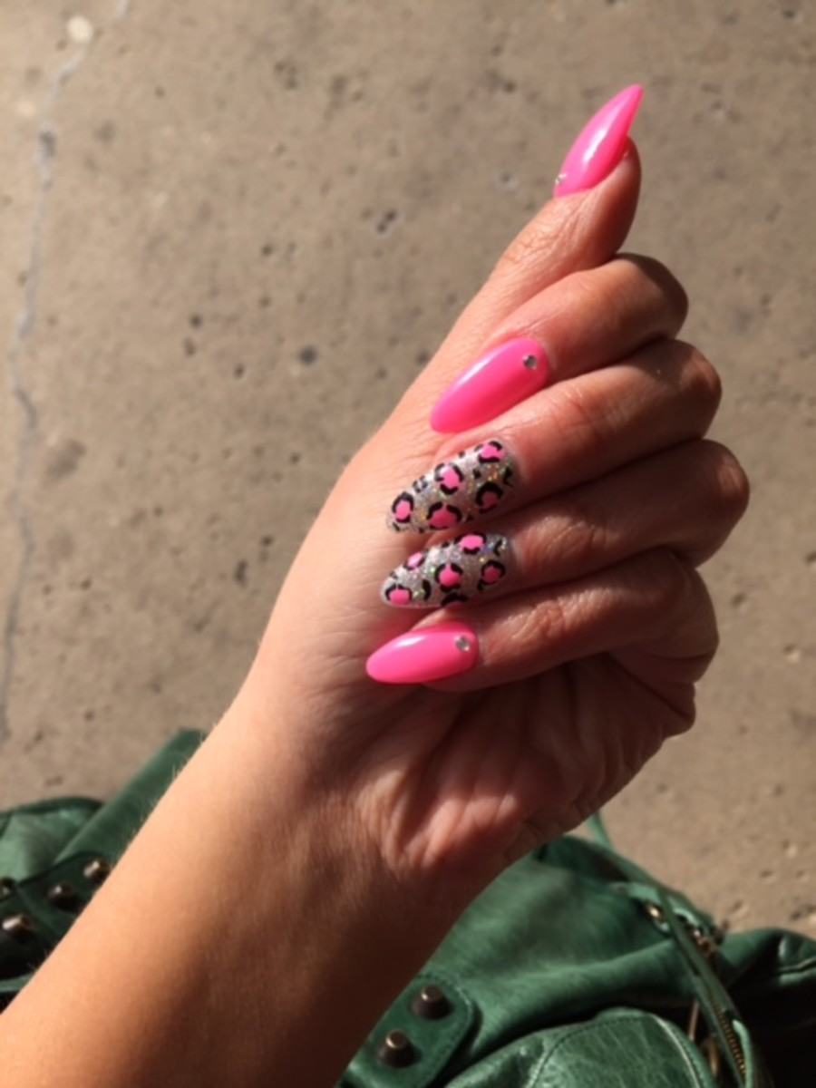 714_xoacrylicsnannynailsjpg 125 years of Fingernails Trends Development