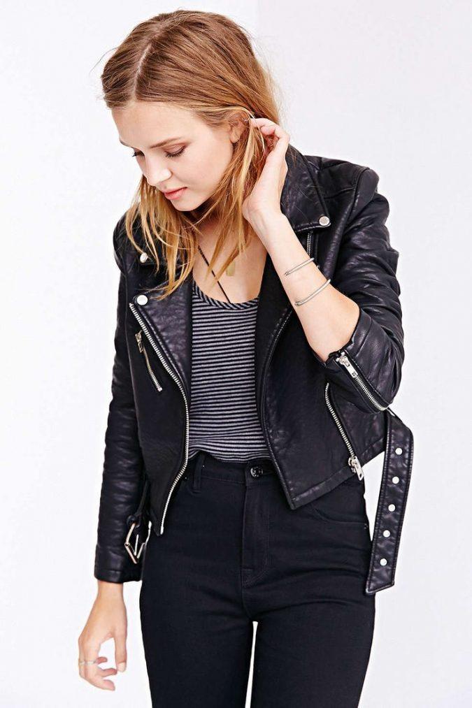 Black-Vegan-Jacket-675x1013 5 Casual Winter Outfits for Elegant Ladies