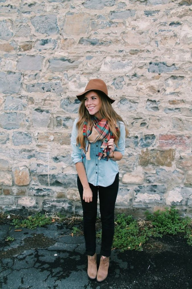 Chambray-shirt-outfit3-675x1013 6 Stylish Fall Outfits for School