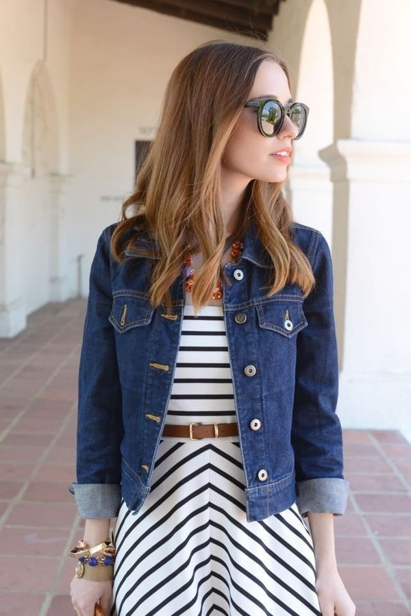 Denim-jacket6 6 Stylish Fall Outfits for School