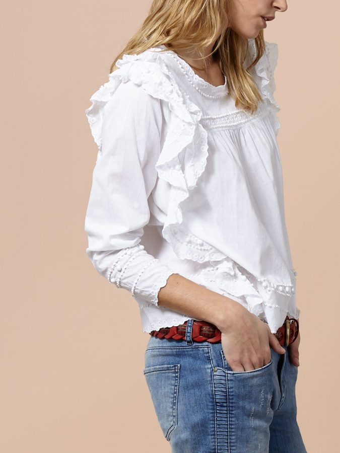 Embroidered-cotton-blouse5-675x900 6 Stylish Fall Outfits for School