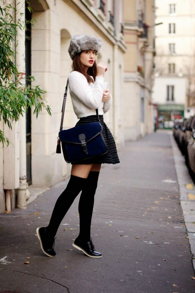 Mini-Skirt2-675x1013 5 Casual Winter Outfits for Elegant Ladies