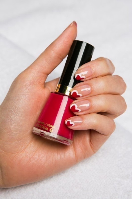 Valentines-Day-Nails-2017-7 50+ Lovely Valentine's Day Nail Art Ideas 2020