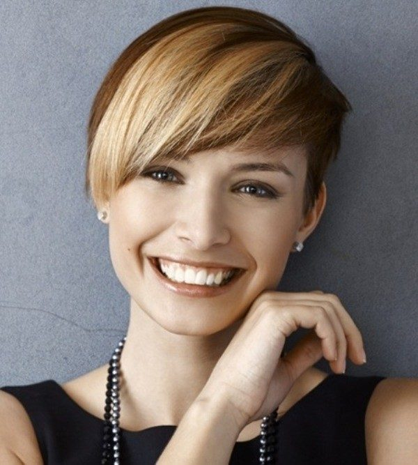 adding-highlights-11 80+ Marvelous Color Ideas for Women with Short Hair in 2018