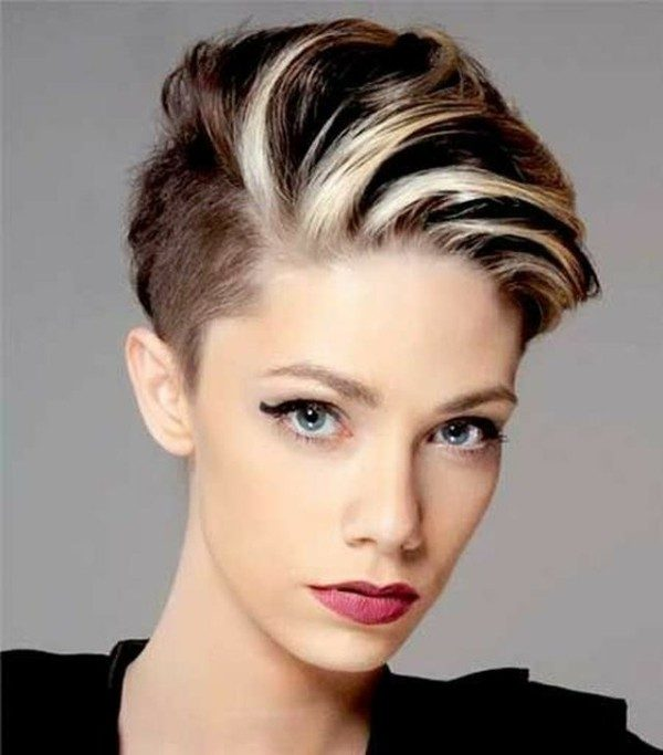 adding-highlights-13 80+ Marvelous Color Ideas for Women with Short Hair
