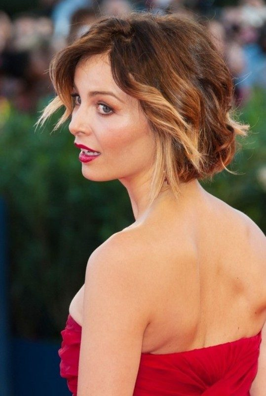 adding-highlights-2 80+ Marvelous Color Ideas for Women with Short Hair