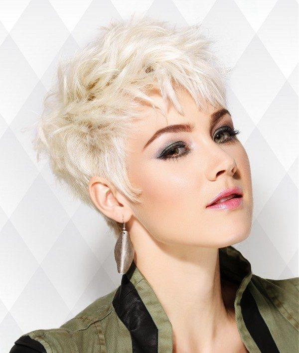 blonde-and-pastels-15 80+ Marvelous Color Ideas for Women with Short Hair