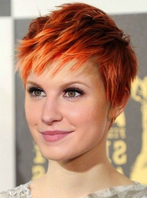dark-roots-10-1 80+ Marvelous Color Ideas for Women with Short Hair