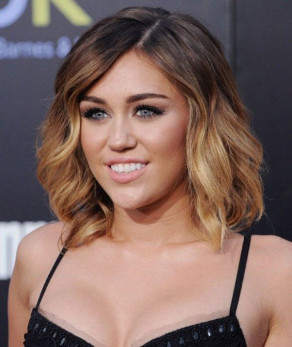 dark-roots-16 80+ Marvelous Color Ideas for Women with Short Hair