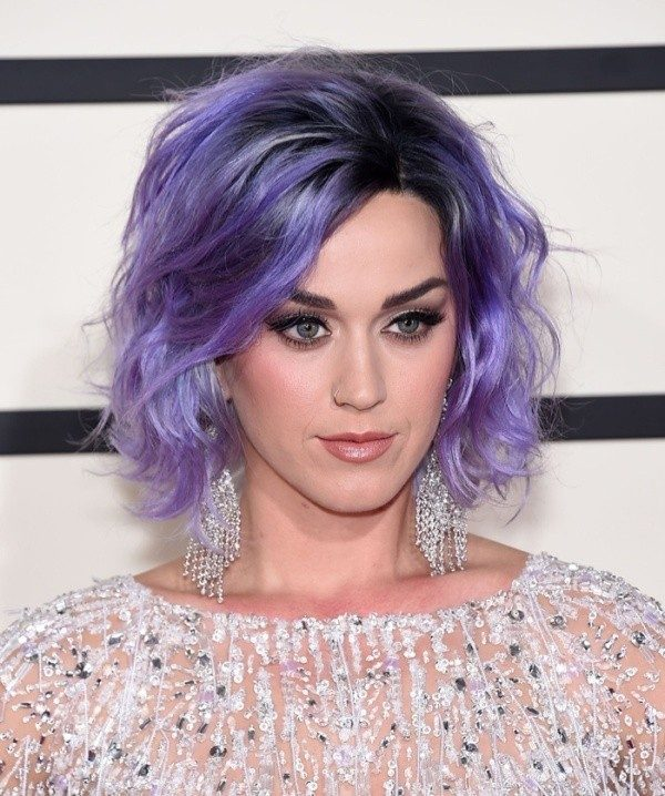 dark-roots-17 80+ Marvelous Color Ideas for Women with Short Hair