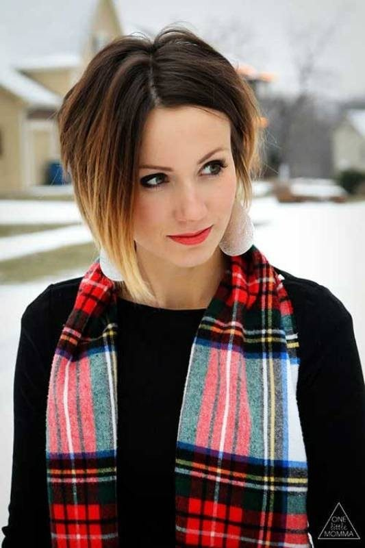 dark-roots-3-1 80+ Marvelous Color Ideas for Women with Short Hair
