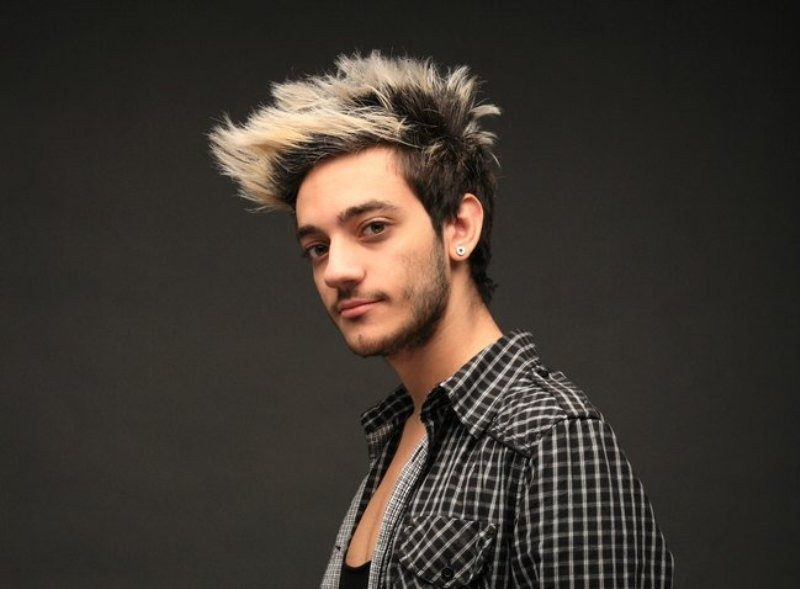 dark-roots-8 50+ Hottest Hair Color Ideas for Men in 2020