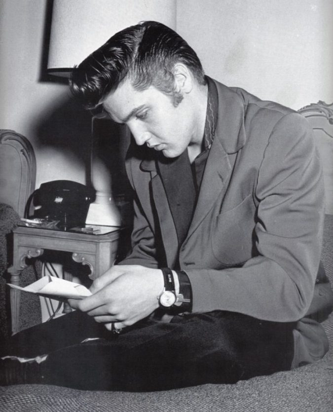 elvis-presley2-675x835 35 Stellar Men's Hairstyles for Spring and Summer 2018