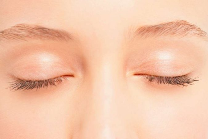 istock000008226506small-675x450 6 Main Ways to Get Longer Eyelashes