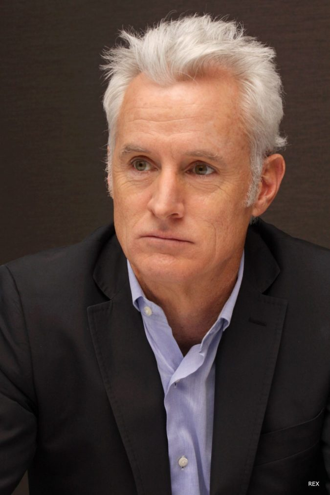john-slattery-grey-hair-2016-675x1014 35 Stellar Men's Hairstyles for Spring and Summer 2018