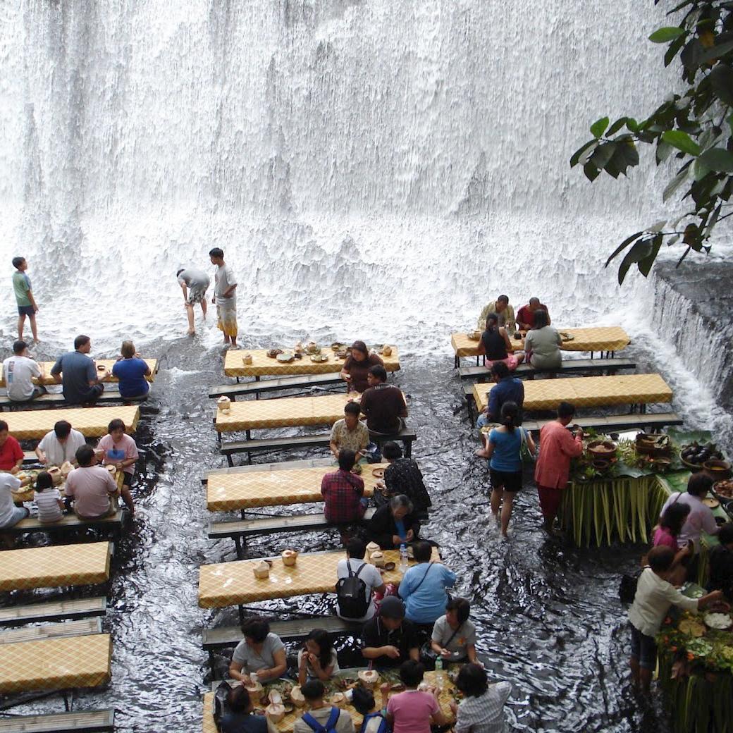 labassin-waterfall-restaurant-fwx 10 Most Unusual Restaurants in The World