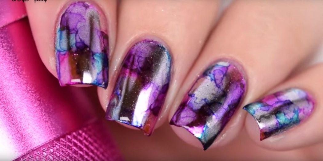 landscape-1471868484-mirror-sharpie-nails2 125 years of Fingernails Trends Development