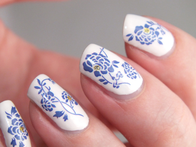 nail-art-porcelain-tasse-porcelaine-faience-vase-ming-vernis-blanc-white-elf-eyeslipsface-water-decals-bornprettystore-code-promo-reduction-manucure-avis-test-ongles-longs-natu-3 125 years of Fingernails Trends Development