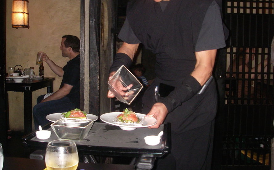 nyc__the_ninja_restaurant__our_waiter_by_kabuki_sohma-d5i1q0f 10 Most Unusual Restaurants in The World