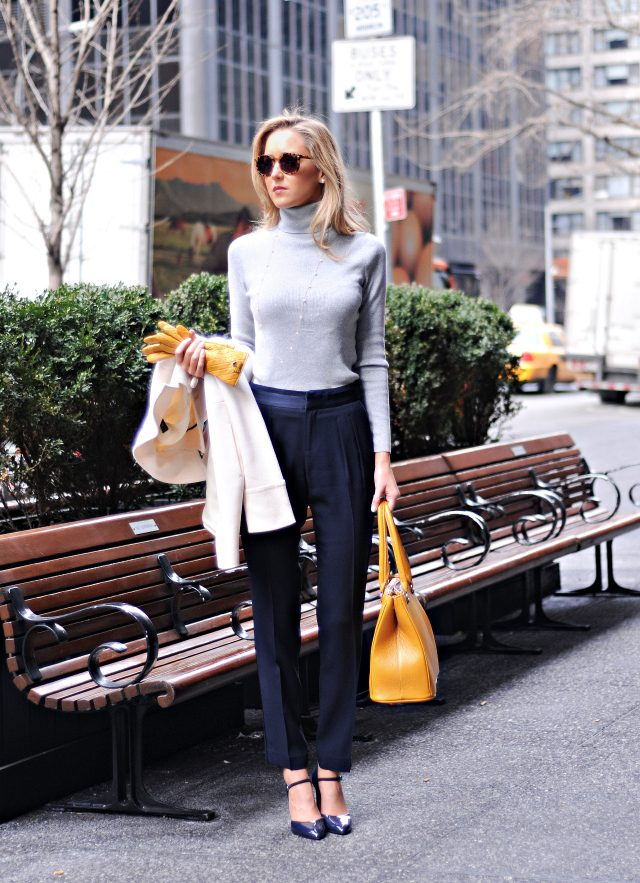 turtleneck-sweater4 5 Casual Winter Outfits for Elegant Ladies