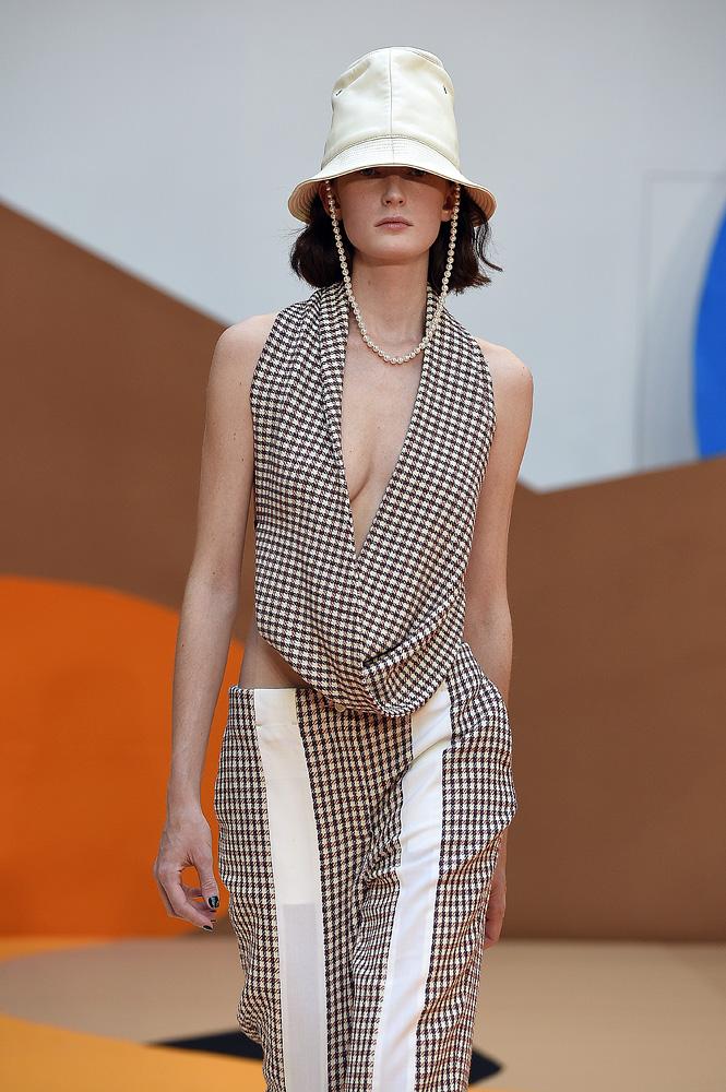 010 35+ Stellar European Fashions for Spring 2020