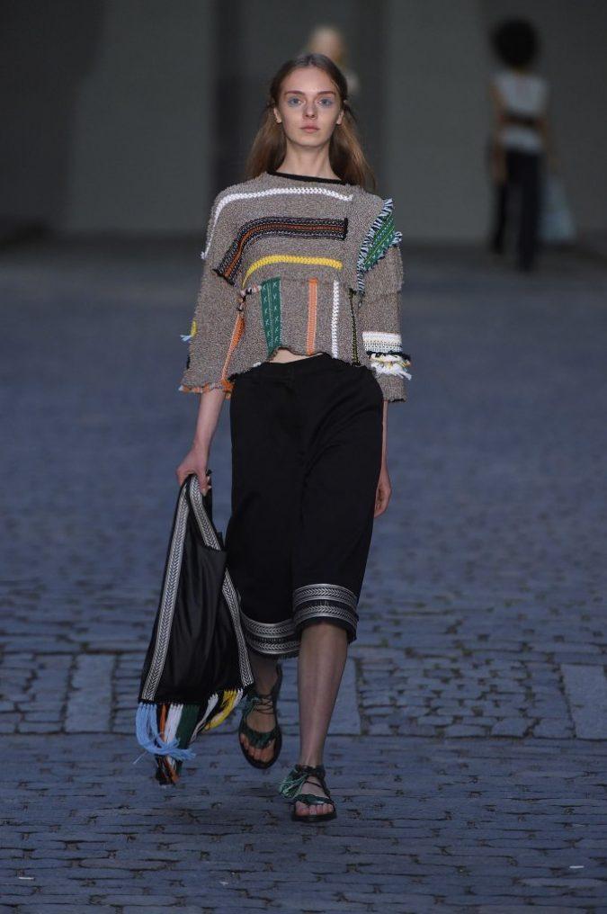 1470946933_35220_4-675x1016 35+ Stellar European Fashions for Spring 2020