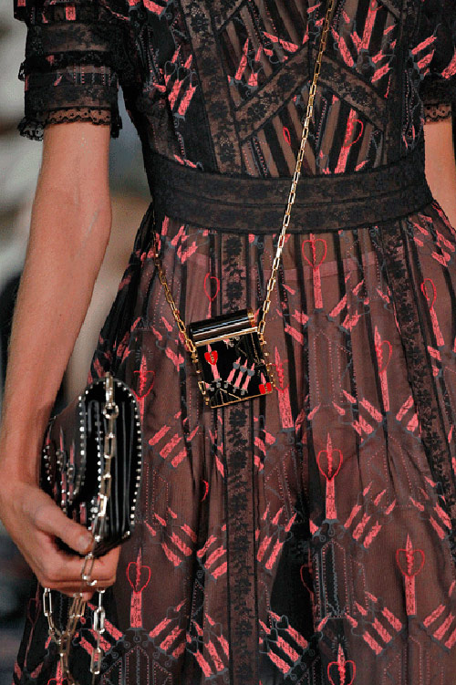 3-1475550698-width500height751 35+ Stellar European Fashions for Spring 2020