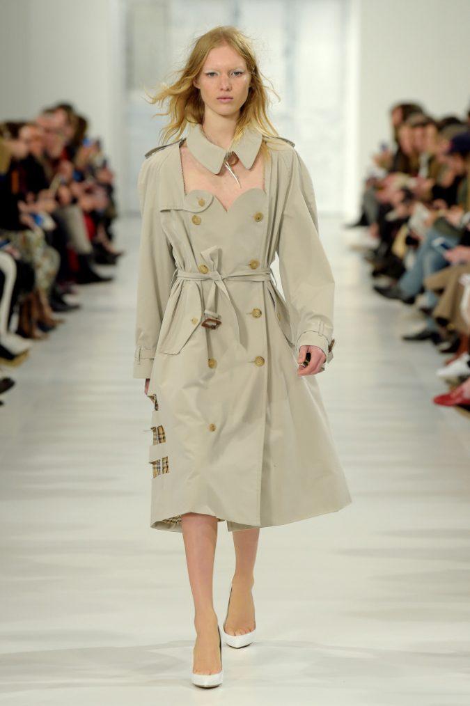 4b323fd04d88f18ac7e18a857c4b167d-675x1014 35+ Stellar European Fashions for Spring 2020