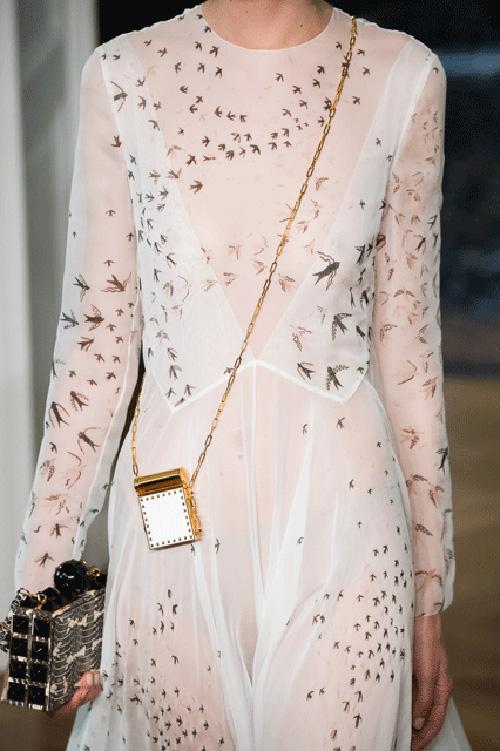 5-1475550698-width500height751 35+ Stellar European Fashions for Spring 2020