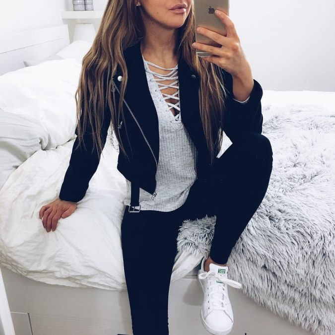 6d39c7dcb5aff30486aee11c05f2836d-675x675 10 Stylish Spring Outfit Ideas for School