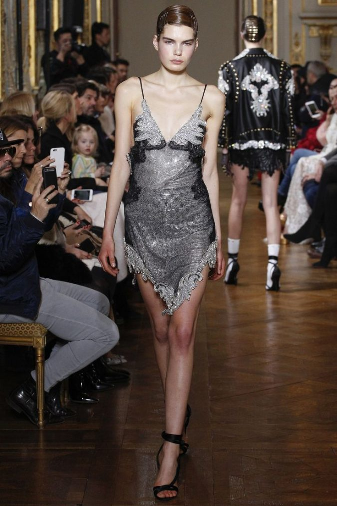 93b997014874ef1ce07c985023ab7cc3-675x1013 35+ Stellar European Fashions for Spring 2020