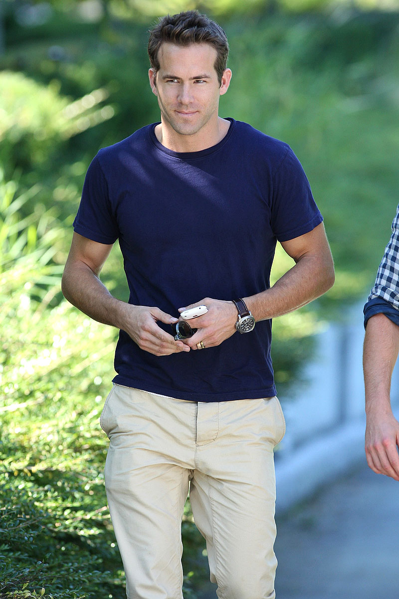 98Fun-Facts-Ryan-Reynolds-BG 15 Male Celebrities Fashion Trends for Summer 2020