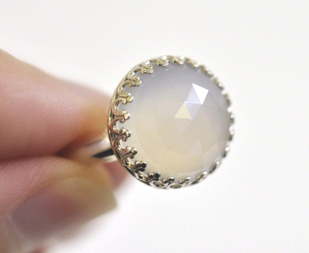 Argentium-Sterling-Silver Three Accessories That Brides Shouldn't Skip