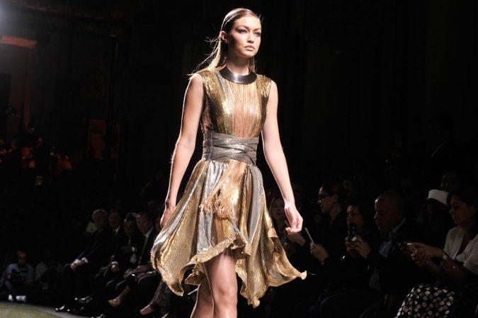 Balmain-show-Spring-Summer-2017-Paris-Fashion-Week-France-29-Sep-2016-675x449 35+ Stellar European Fashions for Spring 2017