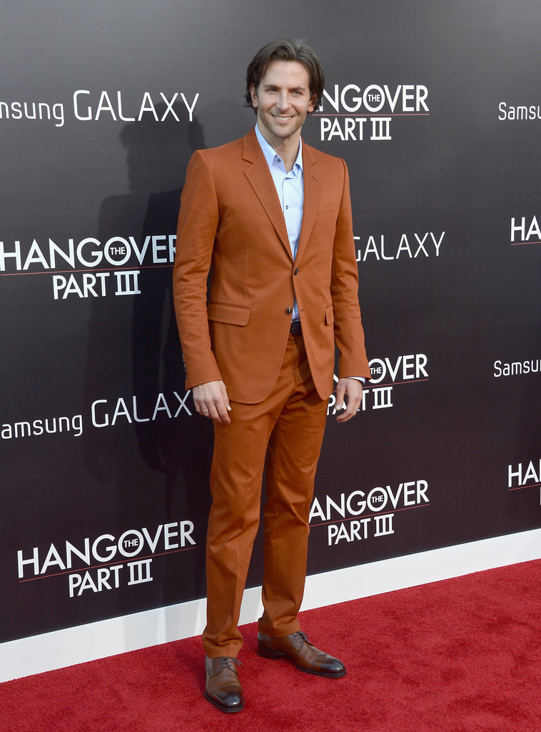 BradleyCooperSuitsMenSuit-0Lw5a1nYrex 15 Male Celebrities Fashion Trends for Summer 2017