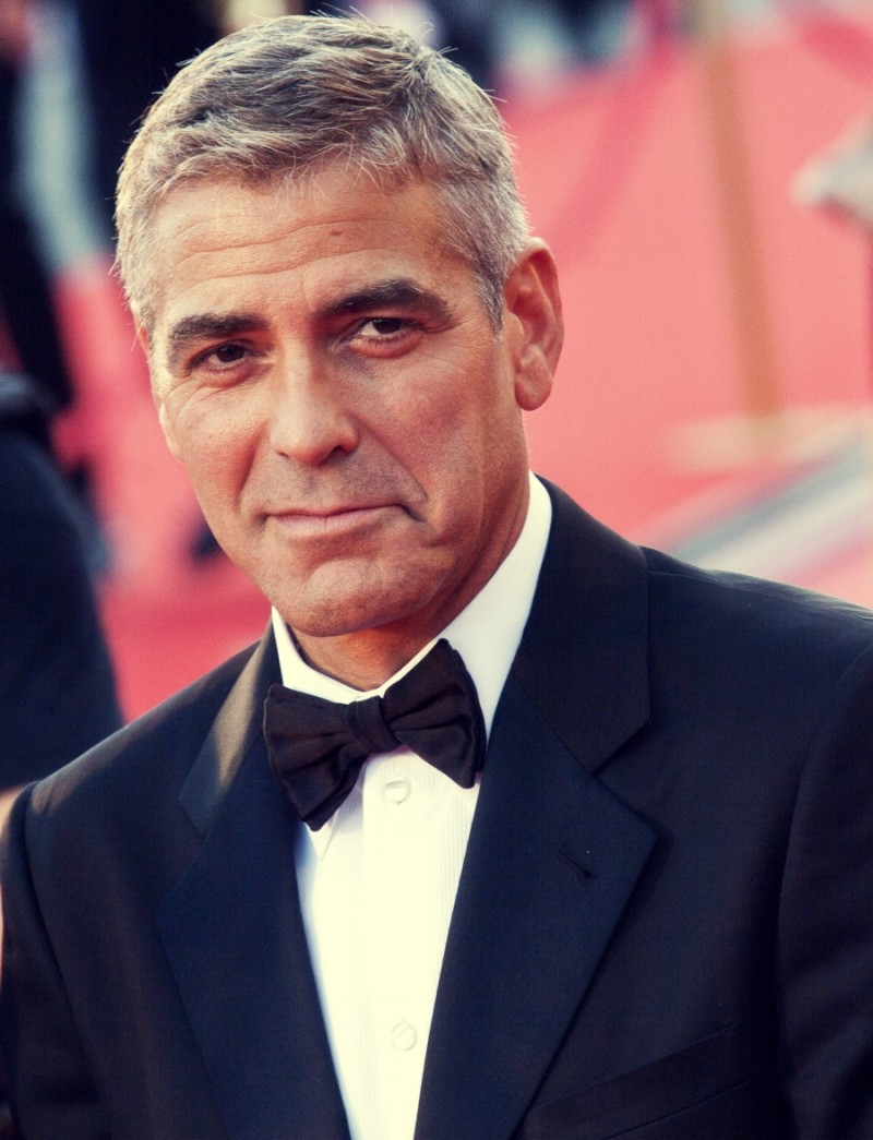 George-Clooney-Gray-Hair-Famous-Men-Picture-800x1045 15 Male Celebrities Fashion Trends for Summer 2018