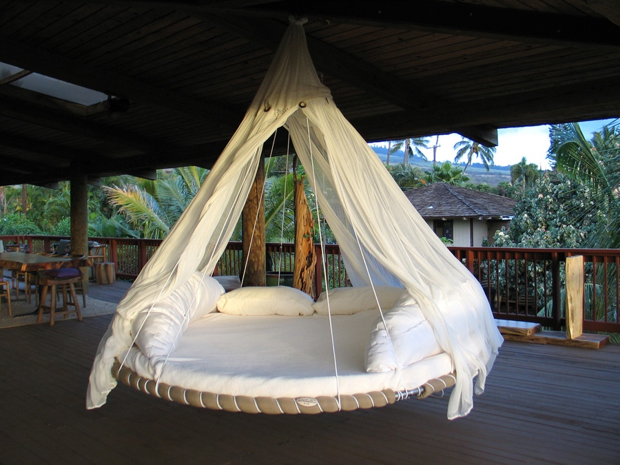 Hammock-Bed-Indoor-Ideas-round-hanging-hammock-bed 12 Unusual and Innovative Beds Ever